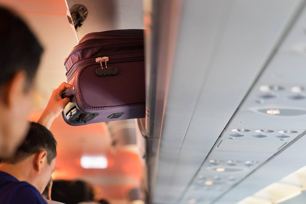 Maletas a bordo, lo que podemos y no podemos llevar en el avión