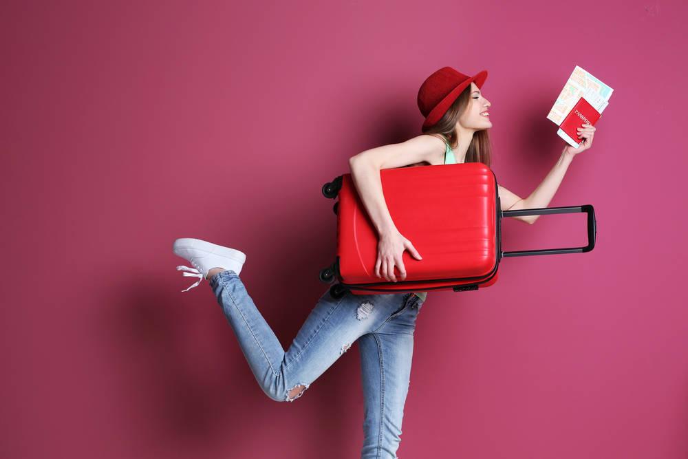Los artículos básicos que toda viajera debe llevar en su maleta