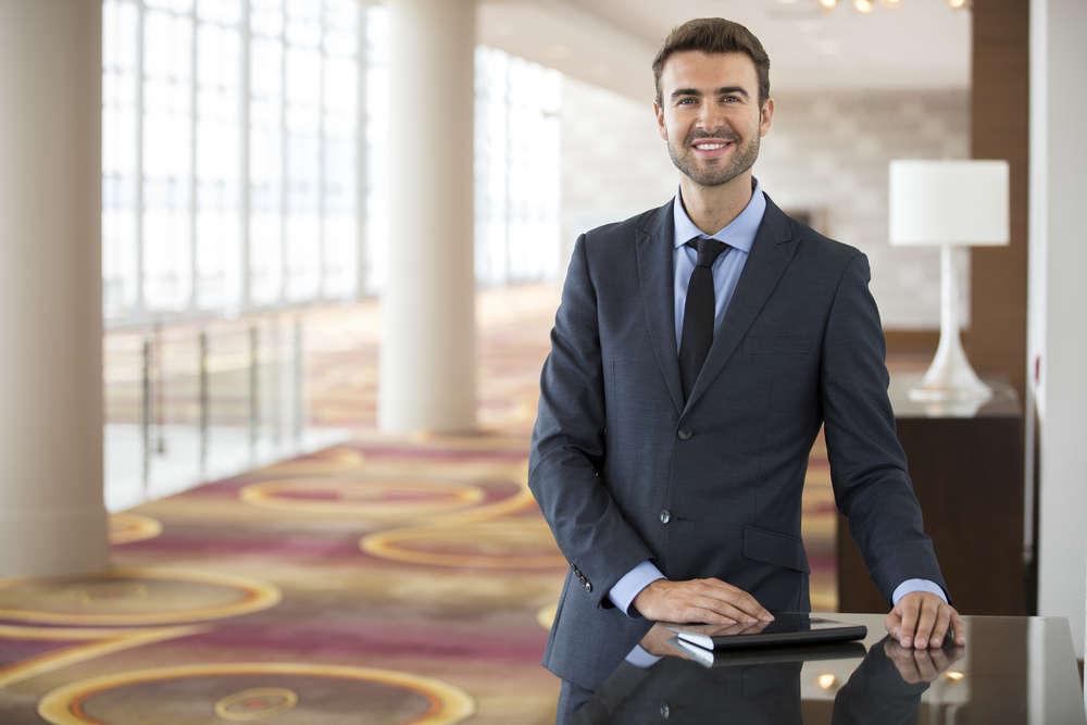 La importancia de un buen abogado en la compra de un hotel